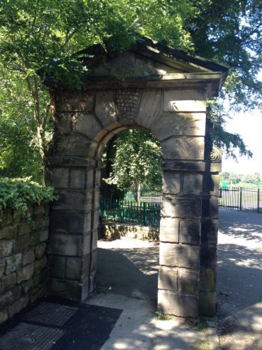 Field House Gates, Park Road